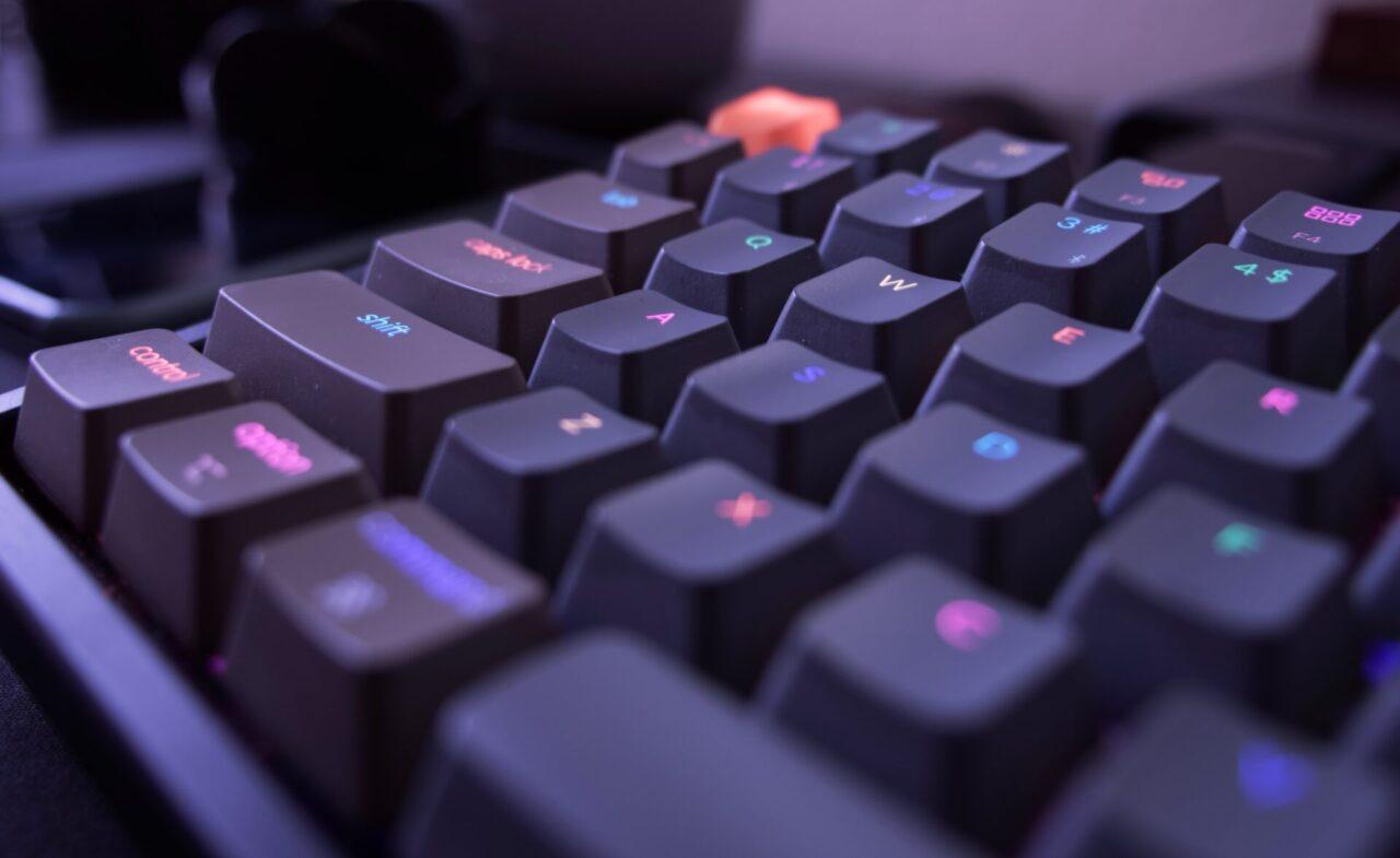 快適なプログラミングができるキーボードとは?