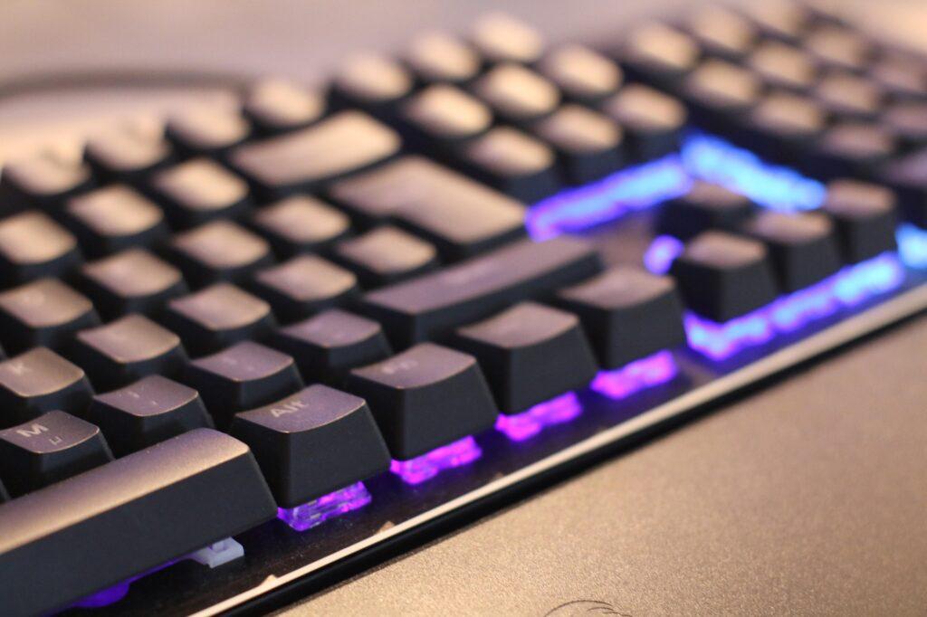 メカニカル方式のキーボード