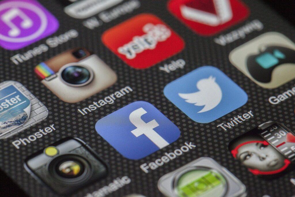 アプリマスターコース: プログラミング未経験からスマートフォンアプリの開発